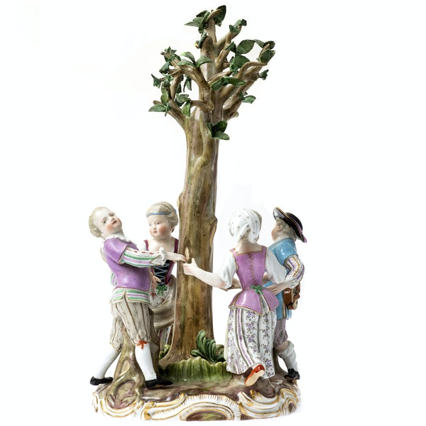"""Meissen group """"ring a ring a roses"""" - image 1"""