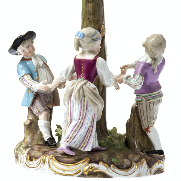 """Meissen group """"ring a ring a roses"""" - image 3"""