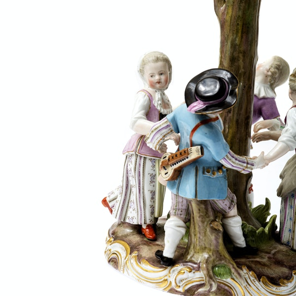 """Meissen group """"ring a ring a roses"""" - image 5"""