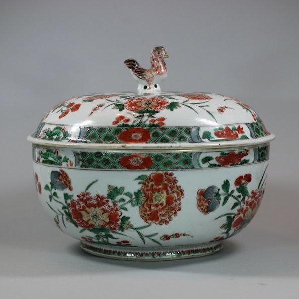 Chinese famille verte cockerel circular tureen and cover, Kangxi (1662-1722) - image 1