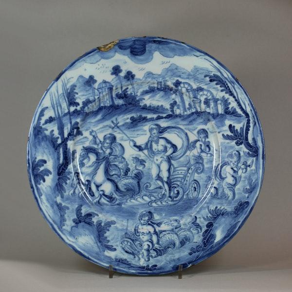 Italian Savona maiolica blue and white charger, circa 1700 - image 1