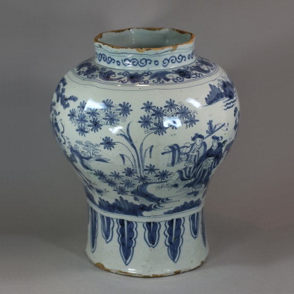 Dutch Delft blue and white vase, 17th Century - image 3