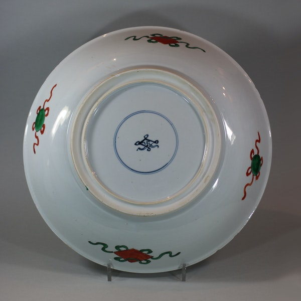 Large Chinese famille-verte dish, early Kangxi (1662-1722) - image 2