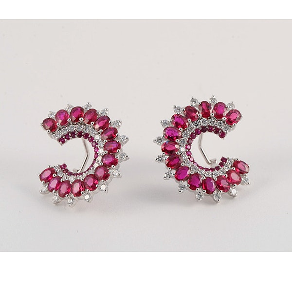 Diamond and ruby clip earrings - image 3