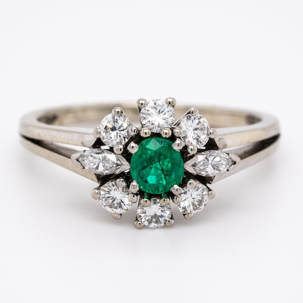 18ct White Gold Emerald & Diamond Cluster Ring - image 1