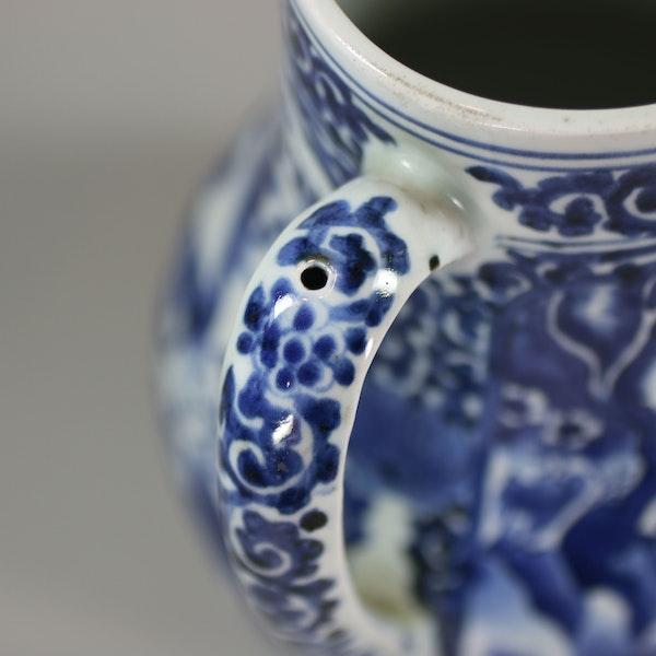 Japanese blue and white Arita tankard, circa 1680 - image 6
