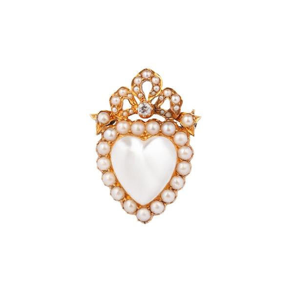 Moonstone pearl and diamond heart brooch - image 1