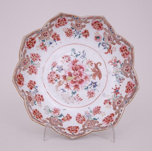 A CHINESE FAMILLE ROSE LOTUS DISH, QIANLONG (1736-1795) - image 1