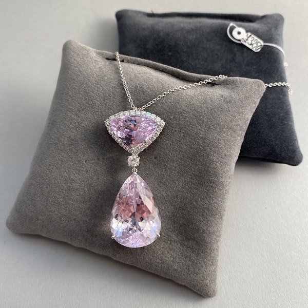 Date: London 2011, 18ct White Gold, Kunzite & Diamond stone set Pendant, SHAPIRO & Co since1979 - image 1