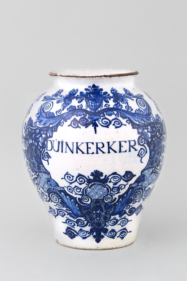 AN ANTIQUE DUTCH DELFT JAR, 18TH CENTURY - image 1