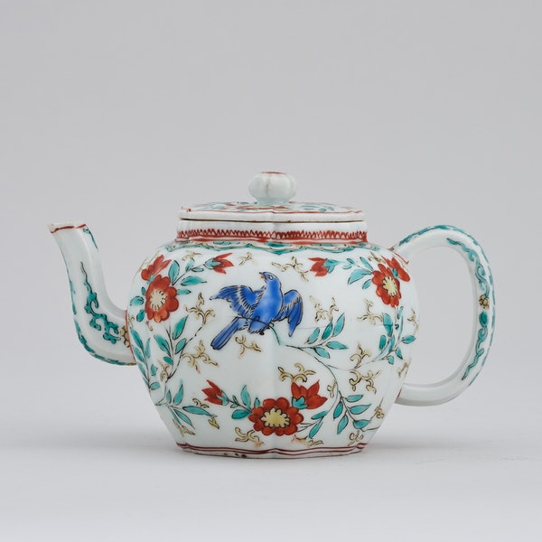 A JAPANESE KAKIEMON TEAPOT AND COVER, EDO PERIOD (LATE 17TH CENTURY) - image 1