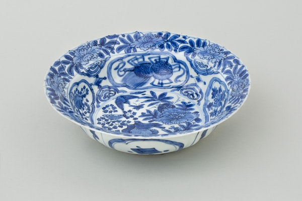 A FINE KRAAK BOWL, 1600-1610 - image 1