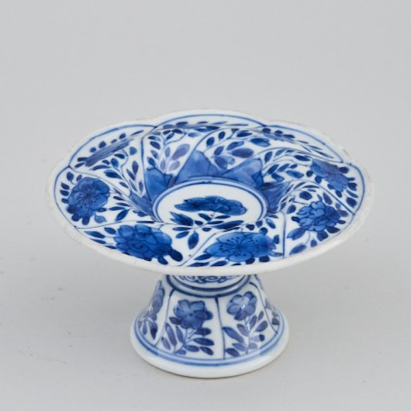 A CHINESE BLUE AND WHITE SPIRAL FORM SALT , KANGXI (1662 - 1722) - image 1