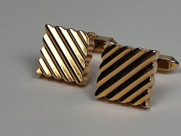 Kutchinsky chunky gold cufflinks  DBGEMS - image 3