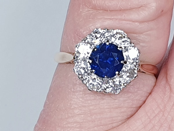 Sapphire and diamond cluster engagement ring 4764   DBGEMS - image 2