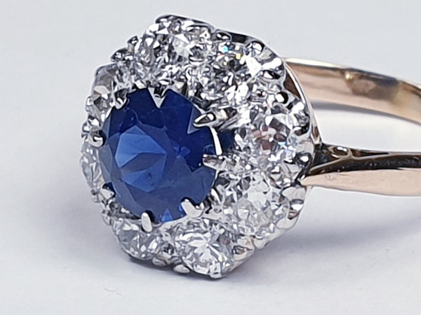 Sapphire and diamond cluster engagement ring 4764   DBGEMS - image 3