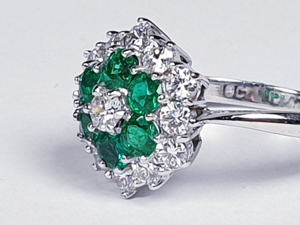 Emerald and diamond cluster ring 4773   DBGEMS - image 4