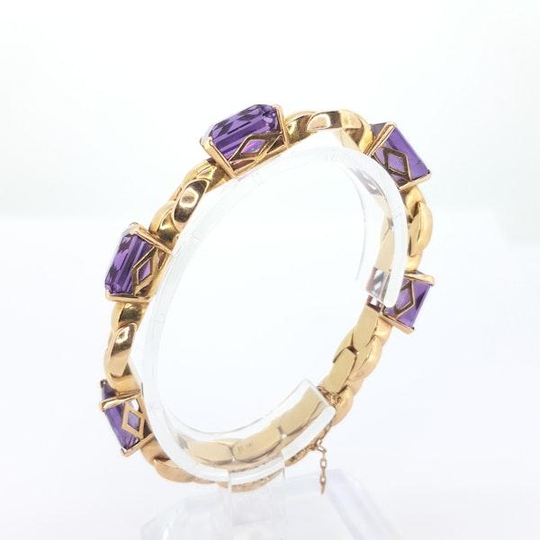 1940s Amethyst and 18 carat gold bracelet - image 2