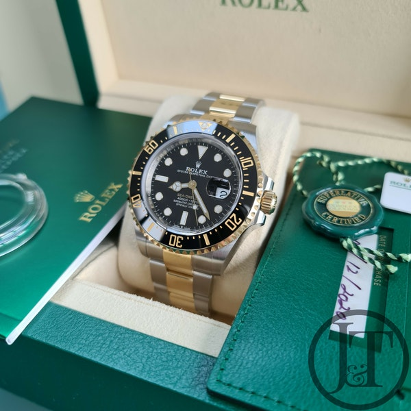 Rolex Sea-Dweller 126603 Steel and Gold - image 8