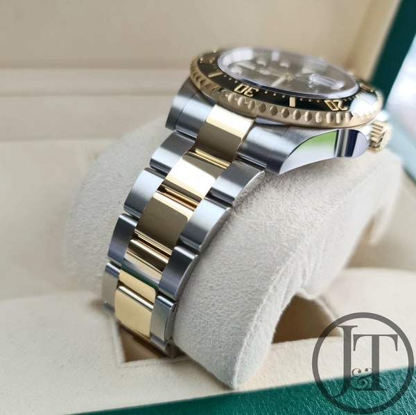 Rolex Sea-Dweller 126603 Steel and Gold - image 4