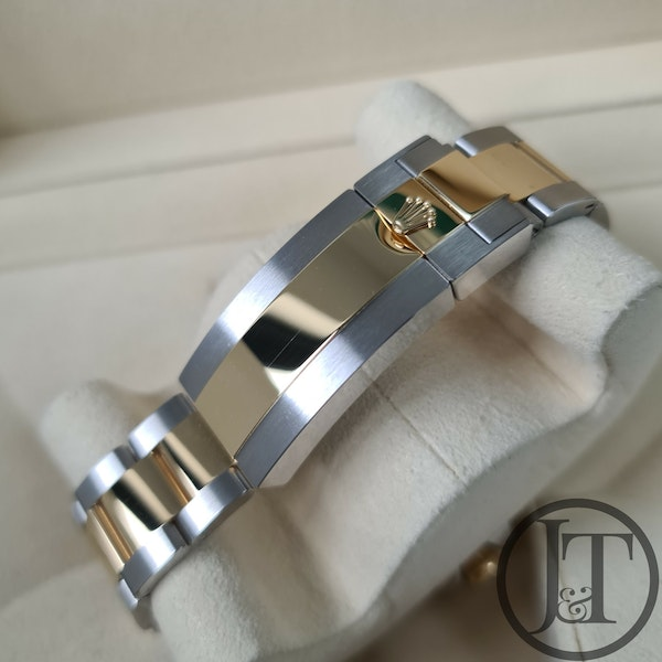 Rolex Sea-Dweller 126603 Steel and Gold - image 7
