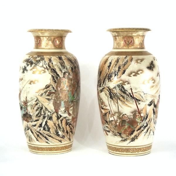 Pair Japanese Satsuma vases with decoration of Samurai - image 12