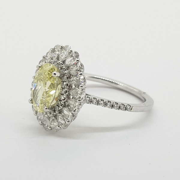 Oval Fancy Yellow Diamond cluster ring with GIA cert - image 3