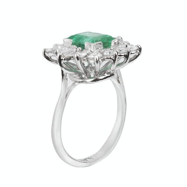 Emerald and diamond ring. Spectrum - image 2