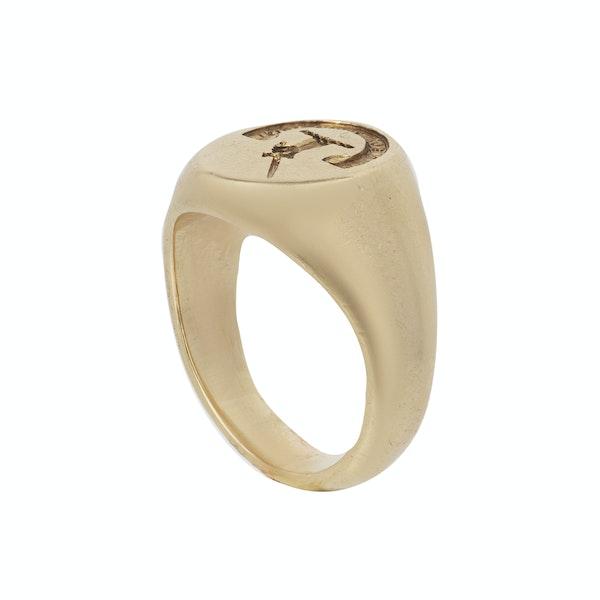 Engraved gold mans signet ring. Spectrum - image 2