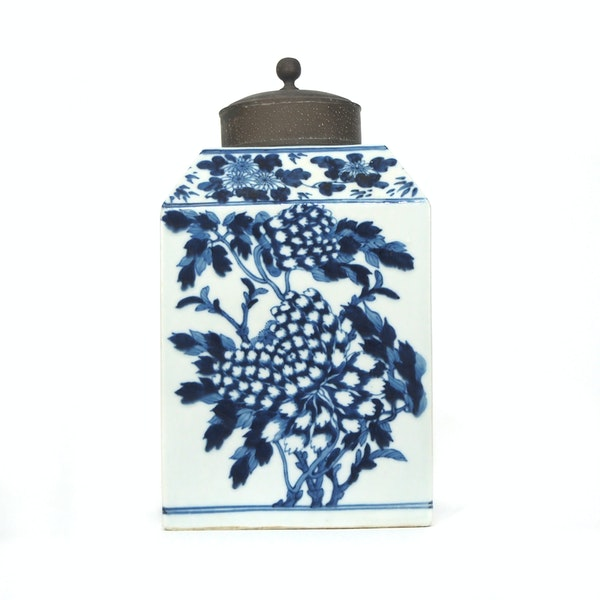 Chinese blue and white tea jar 18c - image 4