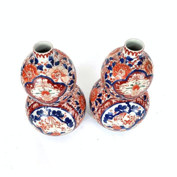 Pair Japanese Imari double gourd vases - image 3