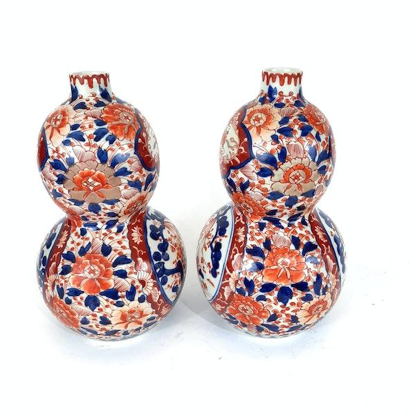 Pair Japanese Imari double gourd vases - image 4