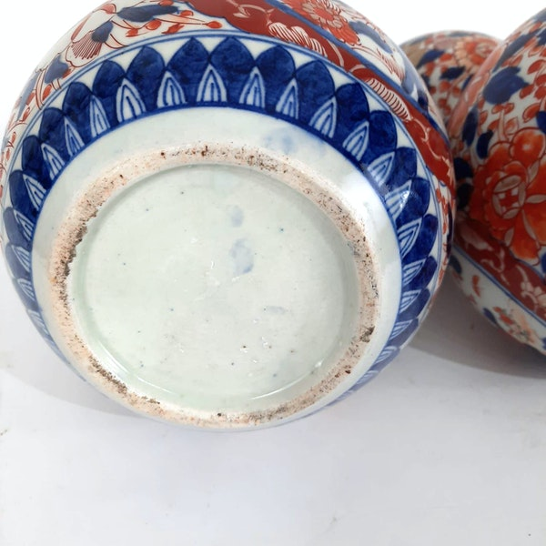 Pair Japanese Imari double gourd vases - image 6