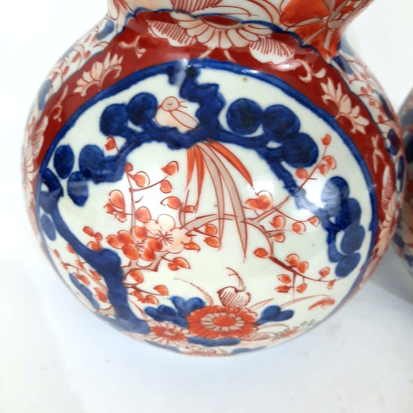 Pair Japanese Imari double gourd vases - image 5
