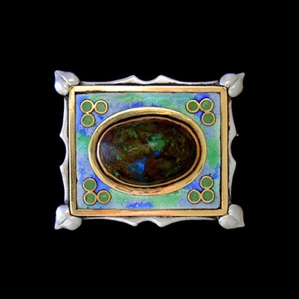 The Guild of Handicraft Ltd. An Arts & Crafts / Art Nouveau silver, gold & enamel brooch. Circa 1900 - image 1