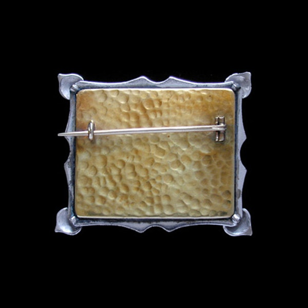 The Guild of Handicraft Ltd. An Arts & Crafts / Art Nouveau silver, gold & enamel brooch. Circa 1900 - image 2