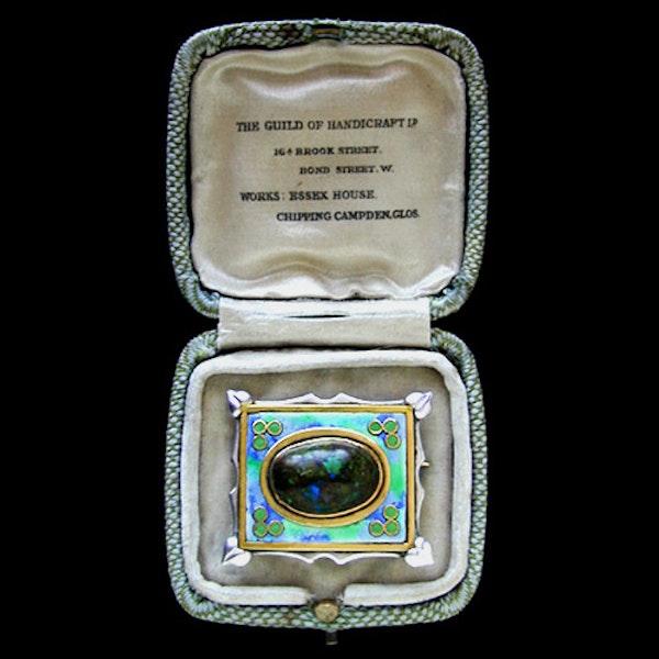 The Guild of Handicraft Ltd. An Arts & Crafts / Art Nouveau silver, gold & enamel brooch. Circa 1900 - image 3