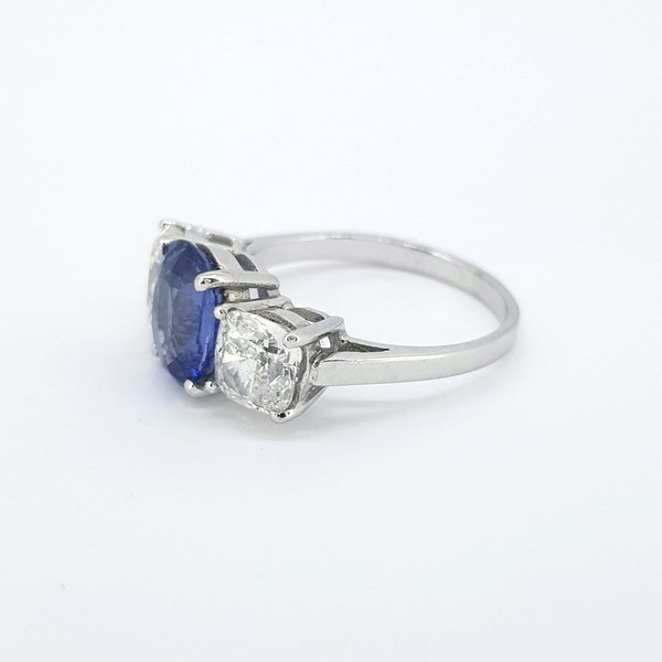 Natural Sapphire and Diamond 3 stone ring - image 2