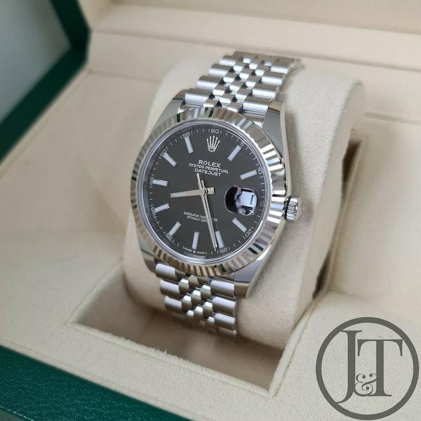 Rolex Datejust 41 126334 Black Baton Jubilee - image 3