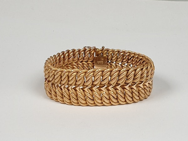 18ct gold inter woven wide gold bracelet  DBGMES - image 2