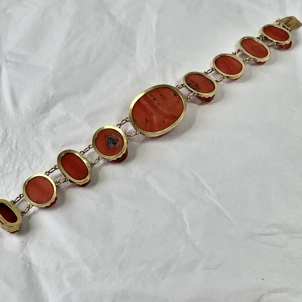 Gold mounted coral cameo bracelet - image 3