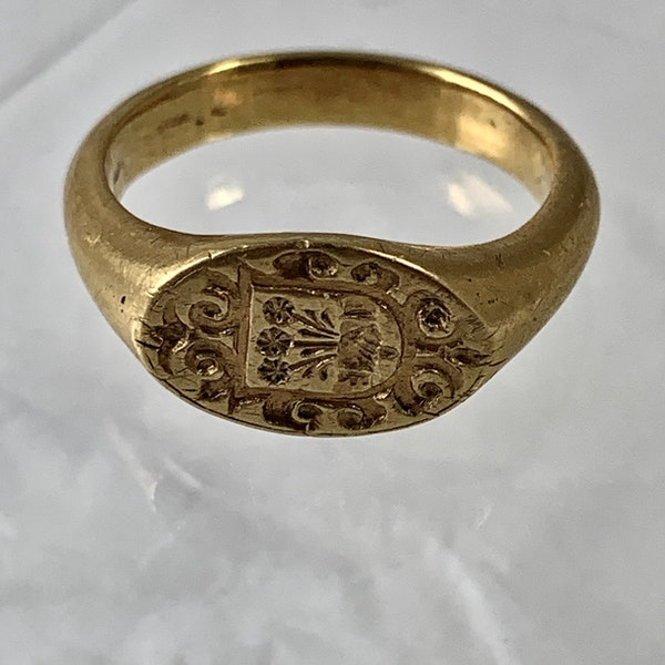 1720 armorial gold ring - image 2