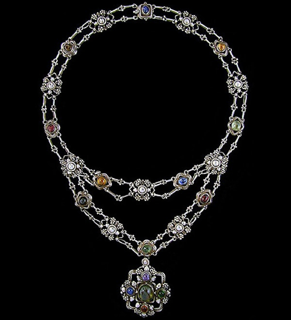 Artificers' Guild. An Arts & Crafts / Art Nouveau silver necklace of wirework leaves and beads set with gemstones. - image 2