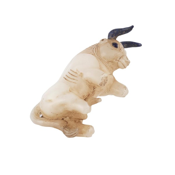Alabaster Bull with Lapis lazuli horns - image 5