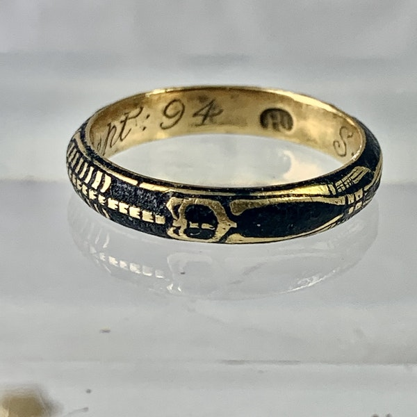Memento Mori gold ring with black enamel - image 2