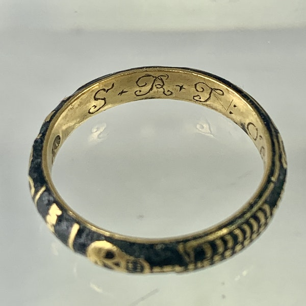 Memento Mori gold ring with black enamel - image 5