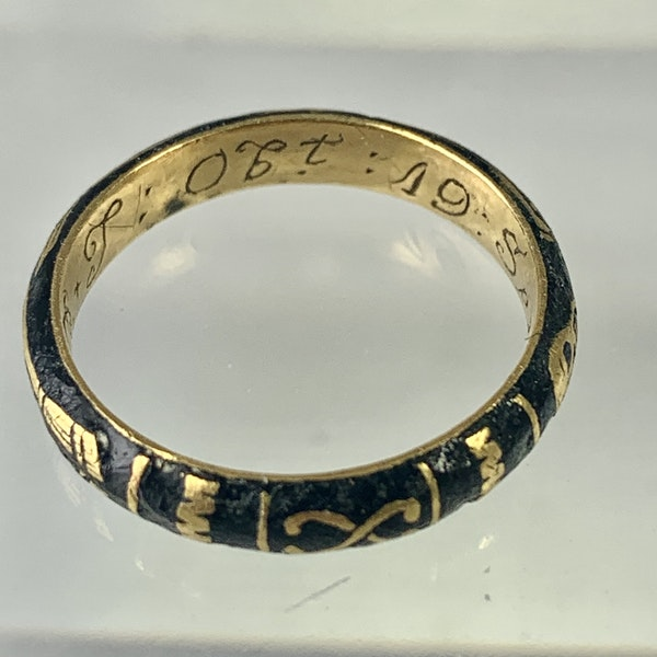 Memento Mori gold ring with black enamel - image 6