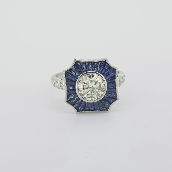 Sapphire and Diamond ring, centre 1.01ct - image 2