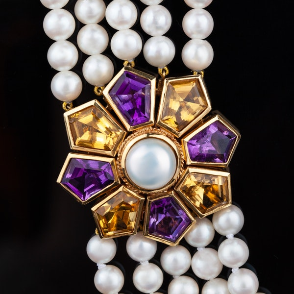 A Convertible Pearl Necklace Offered by The Gilded Lily - image 2