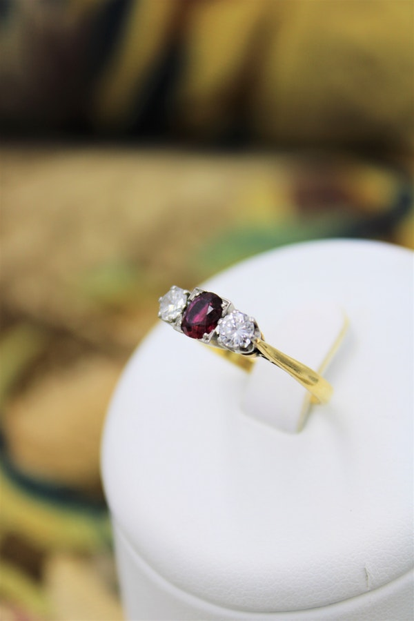 A very fine Three Stone Ruby & Diamond Ring mounted in 18ct Yellow Gold & Platinum, Circa 1950 - image 1